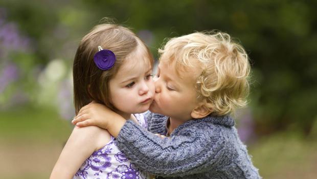 boy_girl_kissing_kiss_gener